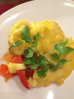 Scharfer Polenta-Auflauf mit Paprika, Mais & Zucchini