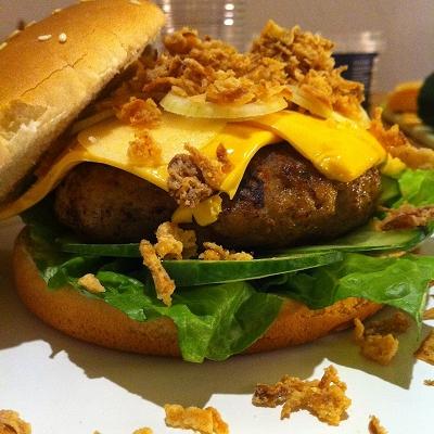 Hamburger/Cheeseburger mit selbstgemachter Sosse