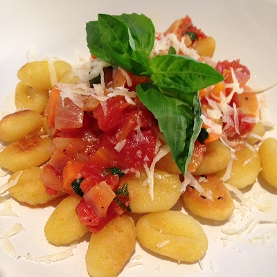 Krosse Gnocchi an Möhren-Tomatensauce (Vegetarisch)