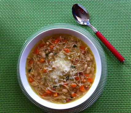 Nudel-Bohnen-Suppe (italienisch)