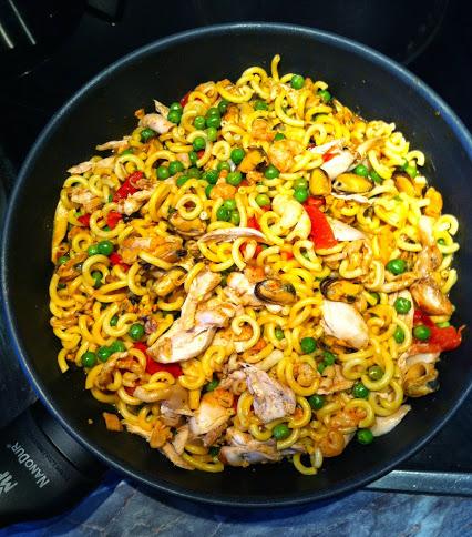 Paella mit Nudeln
