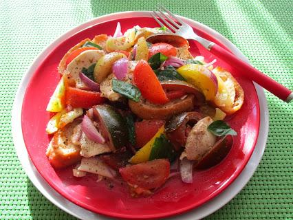 Tomaten-Mozzarella-Ciabatta-Salat