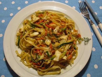 Kabeljau mit Gemüse und Tagliatelle © Monika Cartwright