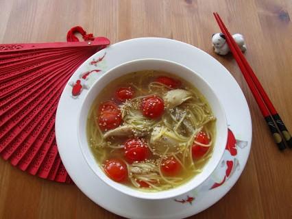 Enten-Hühner-Suppe © Monika Cartwright