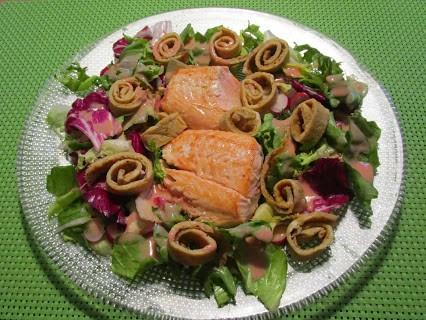 Salat lachsfilet