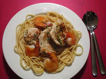 Spaghetti mit Putenschnitzel und Garnelen
