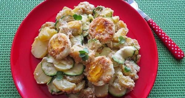 Kartoffelauflauf mit Zucchini und Eiern © Monika Cartwright