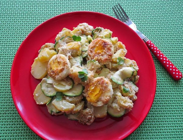 Kartoffelauflauf mit Zucchini und Eiern