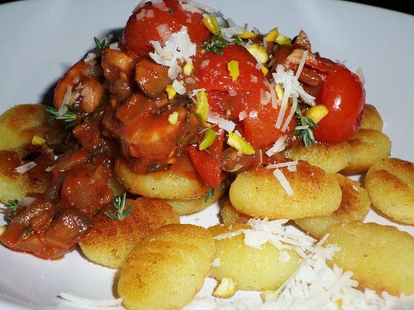 Krosse Gnocchi in Champignon-Tomatensauce