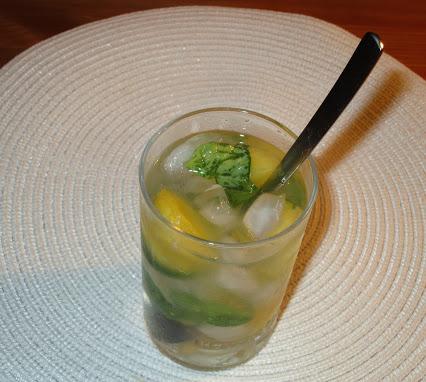 Gin-Tonic mit Melone