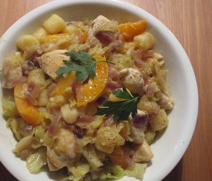 Savoy pan with chicken and apricots