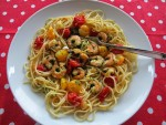 Spaghetti with prawns and cherry tomatoes