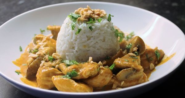 Erdnuss Puten Curry
