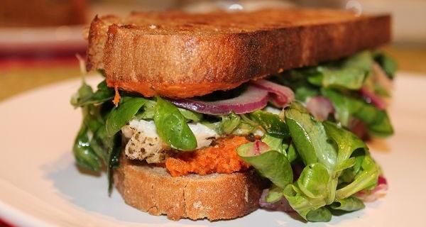 Mediterranes Chicken Sandwich