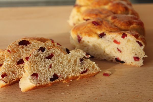 Frühstückszöpfe mit getrockneten Cranberrys