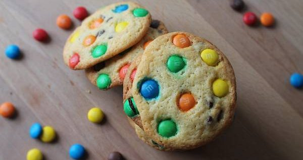 M&Ms Chocolate Chip Cookies